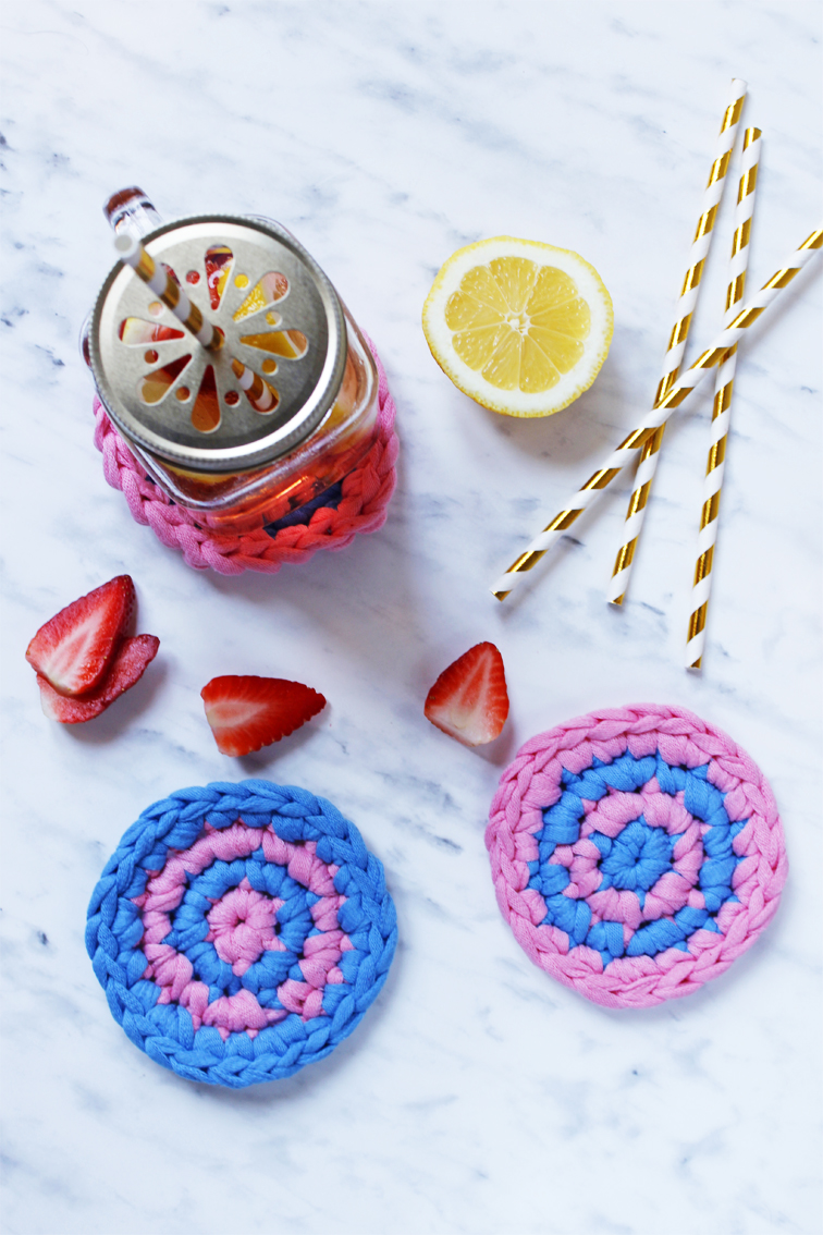 striped crochet coasters for mother's day, free pattern and tutorial for BettaKnit