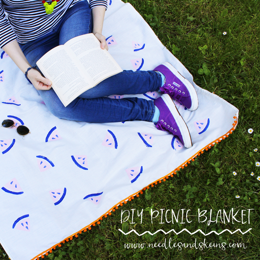 diy printed watermelon picnic blanket