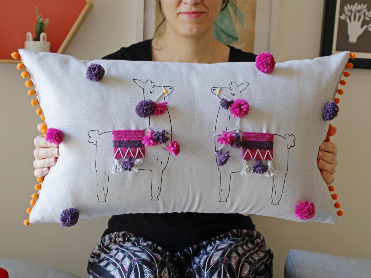 thellamas_thellamasblog_mollie_makes_llama_pillow