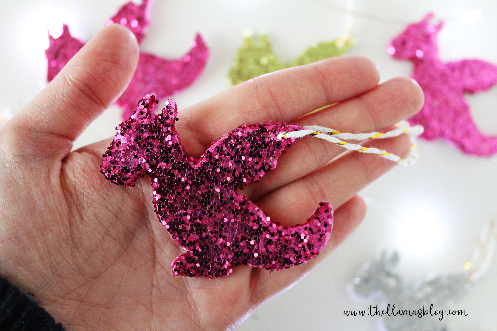 thellamas_DIY_sparkling_dragon_decorations_hand2_the_llamas_blog