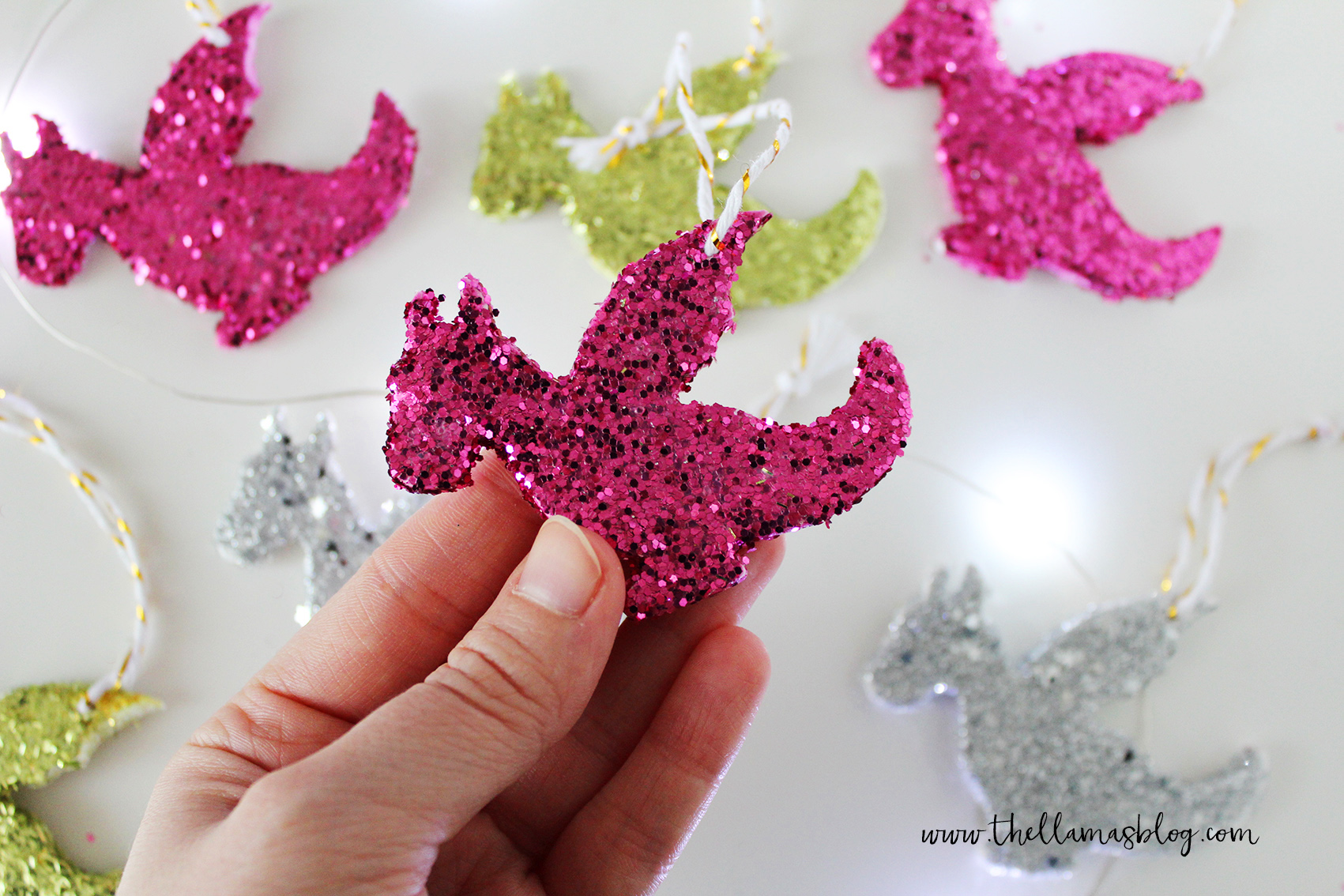 thellamas_DIY_sparkling_dragon_decorations_hand3_the_llamas_blog